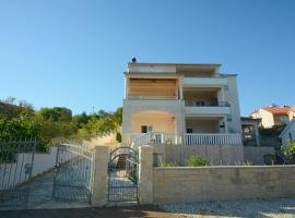 Apartment Bilice beach, location de vacances à Bilice