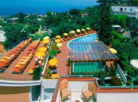 Hotel Terme La Pergola, hotel in zona Terme di Casamicciola, Ischia
