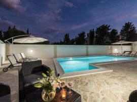 Villa Star 1 luxury apartment with a pool, self catering accommodation in Novalja