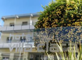 Hotel Villa Clara, hotell i Nago-Torbole