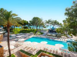 Iberostar Selection Playa de Muro Village, hotel in Playa de Muro