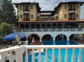 Altinsaray Hotel, hotel in Kuşadası