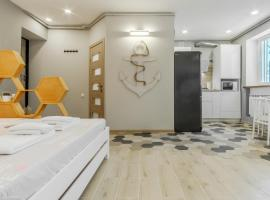 VIP apartment Blue Whale, hotel near Port of Odessa, Odessa