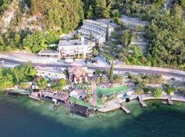 Surf Hotel Pier, hotel in Limone sul Garda