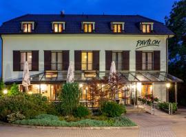 Pavilon, hotel in Ricany