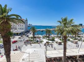 Riva Palace, room in Split