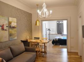 Lviv Linden Apartment, hotel near Volodymyr Ivasyuk Monument, Lviv