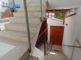 Alojamiento Economico Golf, hotel with pools in Chaclacayo