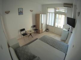 Salona suite, hotel in Solin