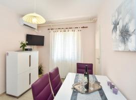 Apartment Neyra, hotel in Split