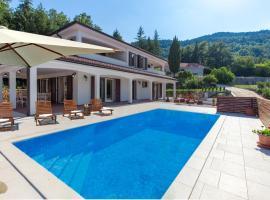 Villa Papillon, hotel with pools in Lovran