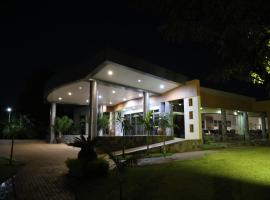 Twangale Park Hotel, hotel in Lusaka
