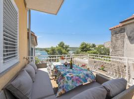 Apartments Tara, pet-friendly hotel in Šibenik