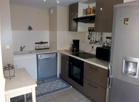appartement 150 m de la plage / piscine, self catering accommodation in Sète