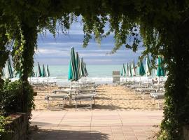Hotel Vina del Mar Pineta, hotel a Lido di Jesolo
