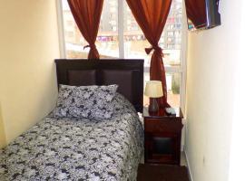 Only Women / Solo Mujeres, habitación en casa particular en Santiago