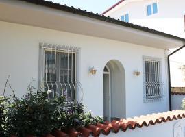 Villetta Ponchielli, holiday home in Forte dei Marmi
