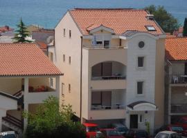 Apartments Juric, room in Baška Voda