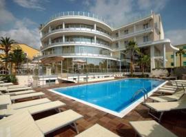 Mediterraneo Palace Hotel, hotell i Amantea