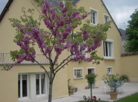 54 AV ROGERS MARTIN DU GARD, hotel near Belleme Golf Course, Bellême