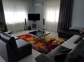 Bourlis Apartments, ξενοδοχείο στην Ασπροβάλτα
