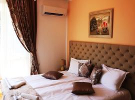 Sea Port CELEBRITY Apartment - Lets4Holiday, hotel near Central railway station Varna, Varna City