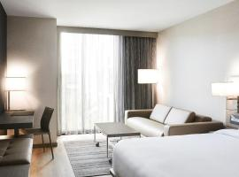 AC Hotel by Marriott Tampa Airport, family hotel in Tampa