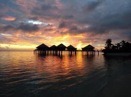Coconuts Beach Club Resort and Spa, hotel en Fausaga