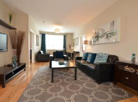 The SoMa Furnished Residences, hotel in Hamilton