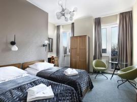 Hotel Dom Marynarza, отель в Гдыне