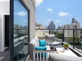 The Roof - By Sea Land Suites, hotel in Tel Aviv
