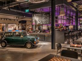 Moxy London Heathrow Airport, hotel near Heathrow Terminal 2, Hounslow