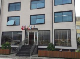 Akcayhan Hotel, hotel in Akçay