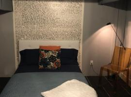 The Historical Dungeon Apartment, apartment in Indianapolis