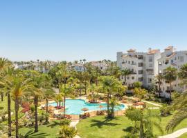 Sea & mountain view penthouse, hotell nära El Saladillo strand, Estepona