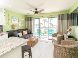 Book now - Beach Open! #204 - Turtle-y Awesome, vacation rental in Galveston