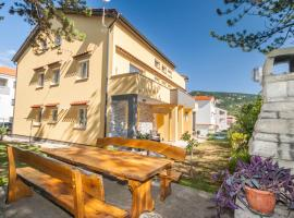 Apartments Gracia, self catering accommodation in Baška