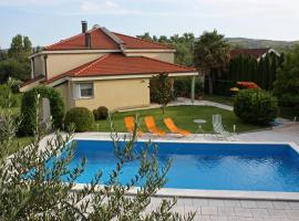 Villa Luka, hotel near Mostar International Airport - OMO,