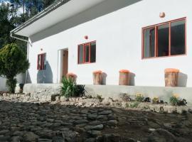 Casa I Love Huaraz, guest house in Huaraz