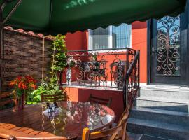 Mimino T&G, hotel near Saint George's Armenian Cathedral, Tbilisi City