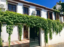 tuGuest Pool House Albaicin, villa en Granada