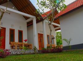Wahyu Masari Homestay, hotel with jacuzzis in Nusa Penida