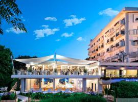 Hotel Atlantic, hotel near Viale Ceccarini, Riccione