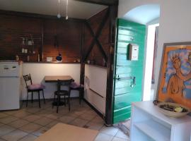 Rustic authentic place in center Lovran, pet-friendly hotel in Lovran
