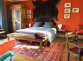Bed in Versailles - Villa de la Pièce d'Eau des Suisses, B&B in Versailles