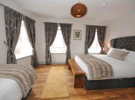 Lodge @ The Old Barracks, B&B in Athenry