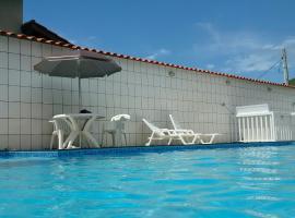 Suítes Ubatuba Praia da Lagoinha, family hotel in Ubatuba