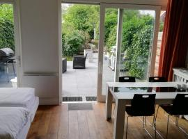 Apartment StayWell Amsterdam Free Parking, pet-friendly hotel in Amsterdam