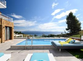 Villa D'Oro - Luxury Villas & Suites, vacation rental in Paliouri