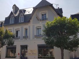 Hôtel de la Côte Fleurie, hôtel à Deauville près de: Polyclinique de Deauville
